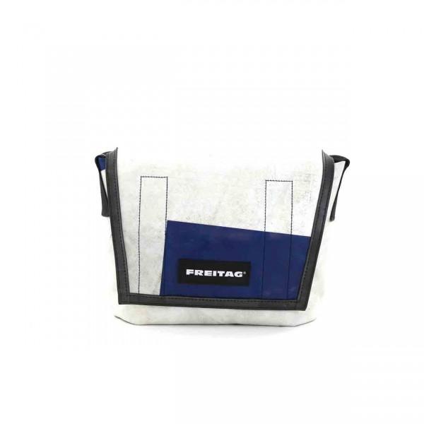 FREITAG Tasche F11 Lassie weiß & blau Ansicht 1