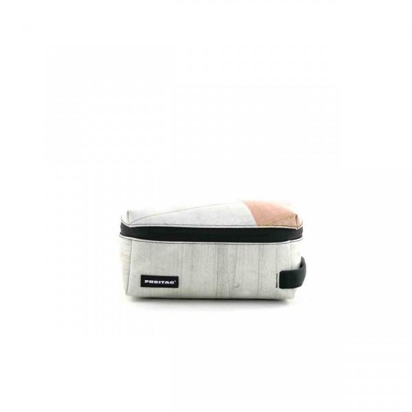 FREITAG Toilet Bag Medium F36 Wayne weiß & rosa Ansicht 1
